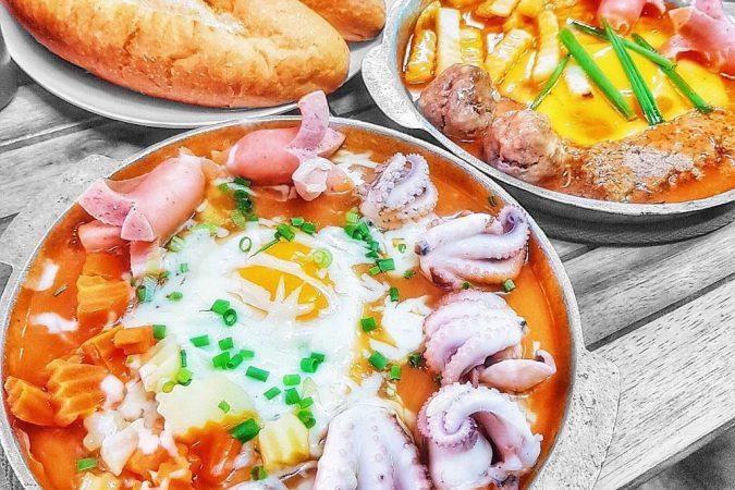 Top Quán bánh mì chảo giá bình dân hút khách ở Hà Nội.