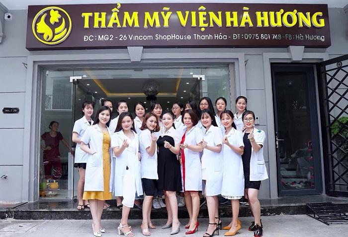 CEO Hà Hương cùng đội ngũ nhân viên chuyên nghiệp của mình