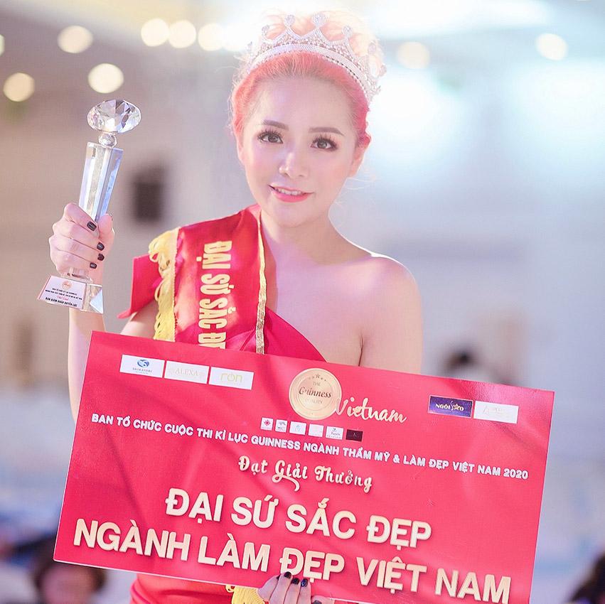 Đỗ Thị Thuỳ Dương xuất sắc nhận được giải thưởng Đại sức sắc đẹp ngành làm đẹp Việt Nam