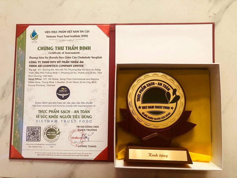 """Chất lượng làm nên thương hiệu, Chokolade Vaegttab đã được cấp chứng thư """"Thực phẩm sạch - An toàn vì sức khỏe người tiêu dùng"""""""
