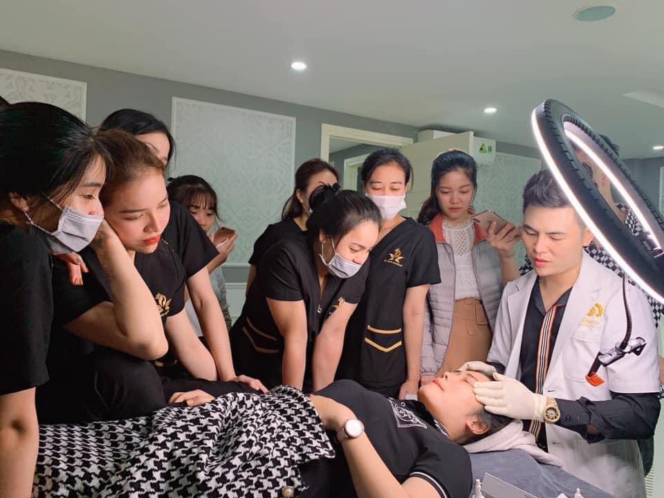 Boss Nguyễn Văn Trung luôn tạo đào tạo học viên trong môi trường chuyên nghiệp