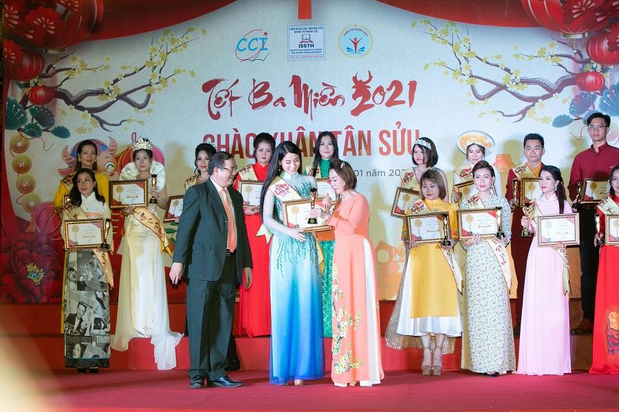 Triệu Hà Vy (14)