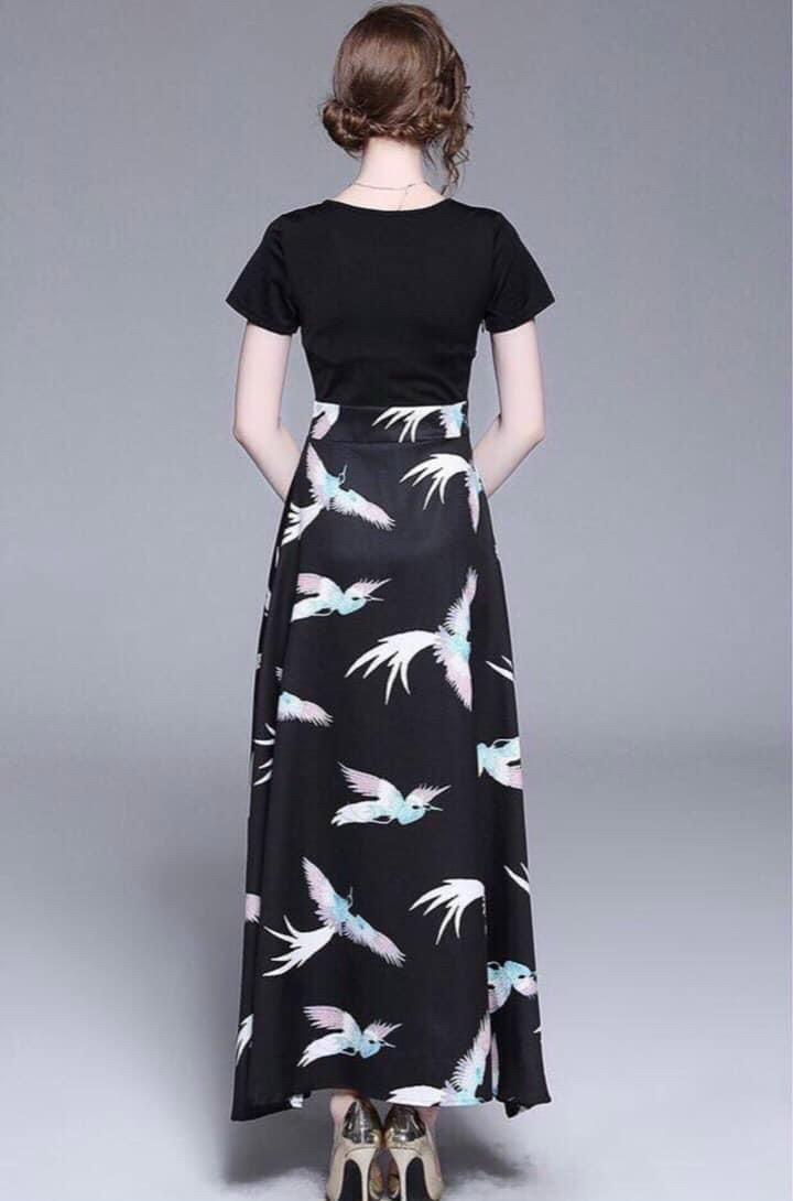 """Tại Shop có vô vàn mẫu quần áo hợp thời trang cho các chị em """"nghiện"""" mua sắm"""