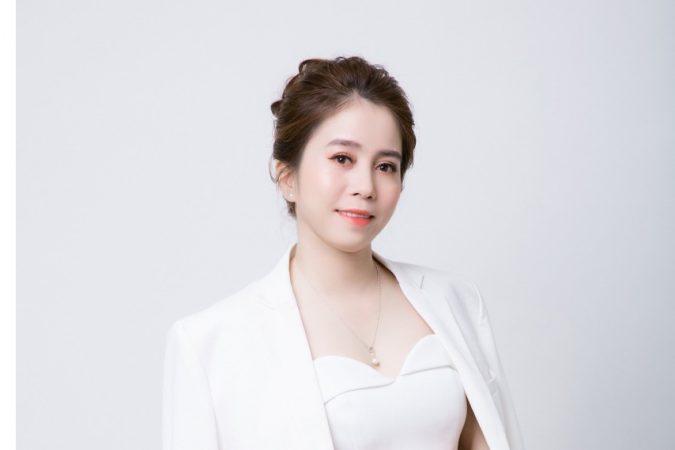Chuyên gia thẩm mỹ Hoa Kelly – Bóng hồng nâng tầm nhan sắc Việt