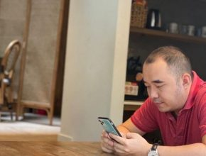 Trò chuyện cùng Trần Công Đại Phát – Chủ nhân tiệm Giày Xấu Giá Cao