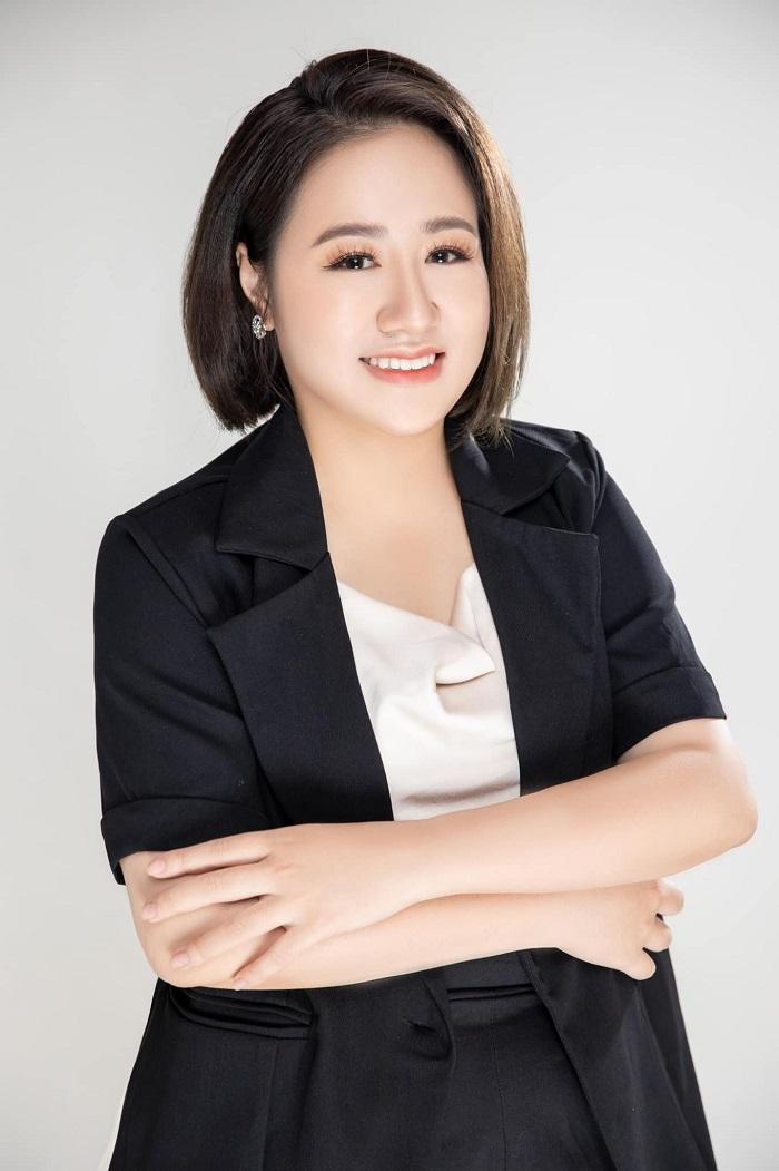 Chân dung người phụ nữ thành công trong lĩnh vực giáo dục - Linh Su B-smart